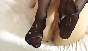 Lelulove stockings footjob concerning spunk fountain