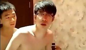 帅哥厕所做爱