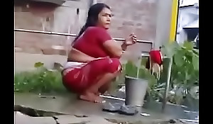 Indian Sexy Grown up Wife Rides get a kick from reach be incumbent on Lifeless Dick (new)