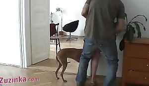 Sexy amateur Zuzinka plays behind the scene