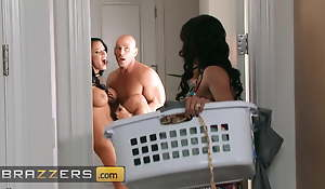 Competitive Threesome On every side Johnny Sins, Kendra Lust And Peta