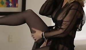 Legendary grown up granny Nina Hartley has multiple ejaculations