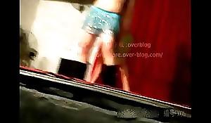 暗拍非常接地气的乡村艳舞团好多全裸妹子低俗色情表演,27分钟看到爽为止 同居小情侣清晨与男友激情做爱 超棒身材极品小美女睡 预览视频 (Trailers)